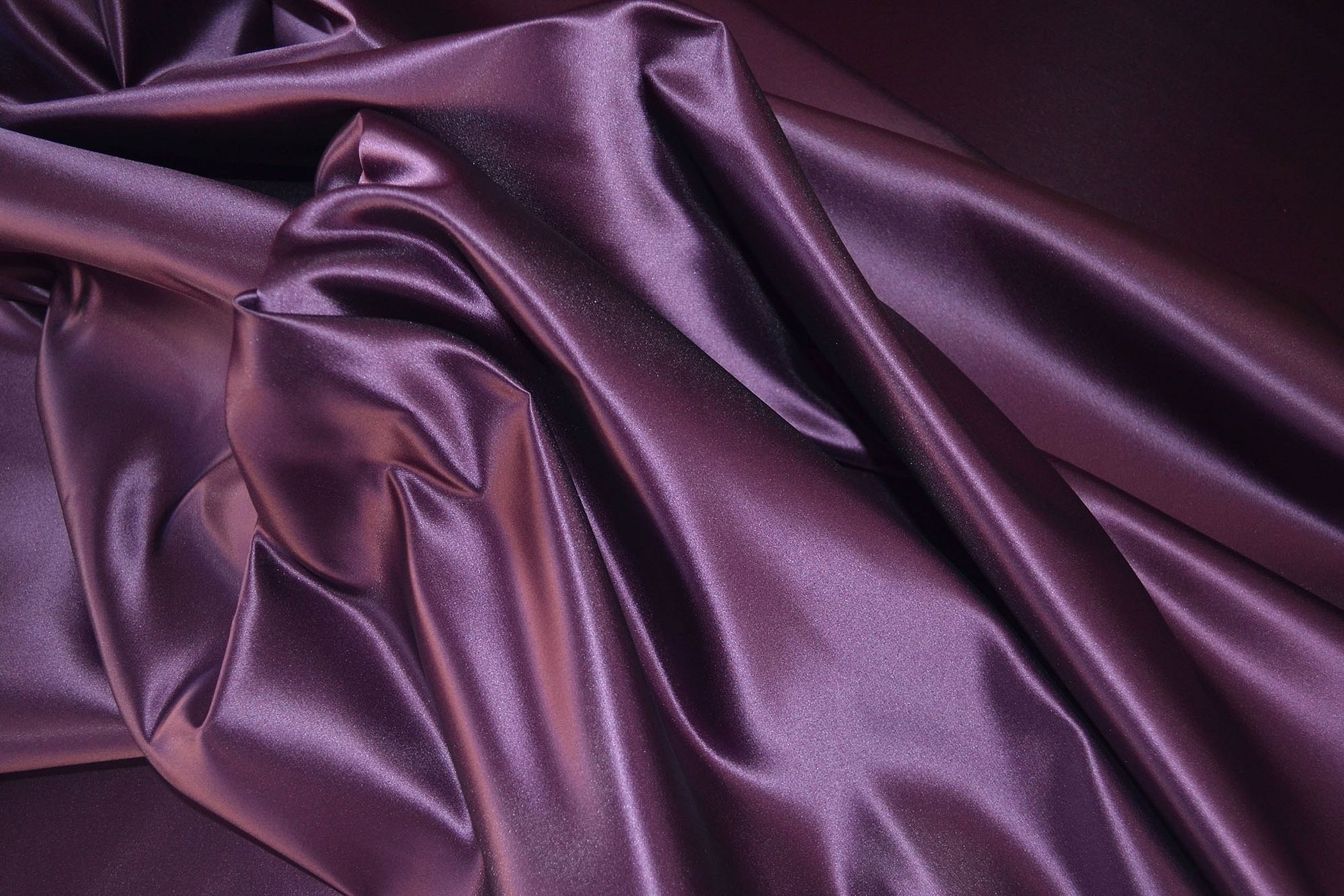 Пурпурная шёлковая ткань