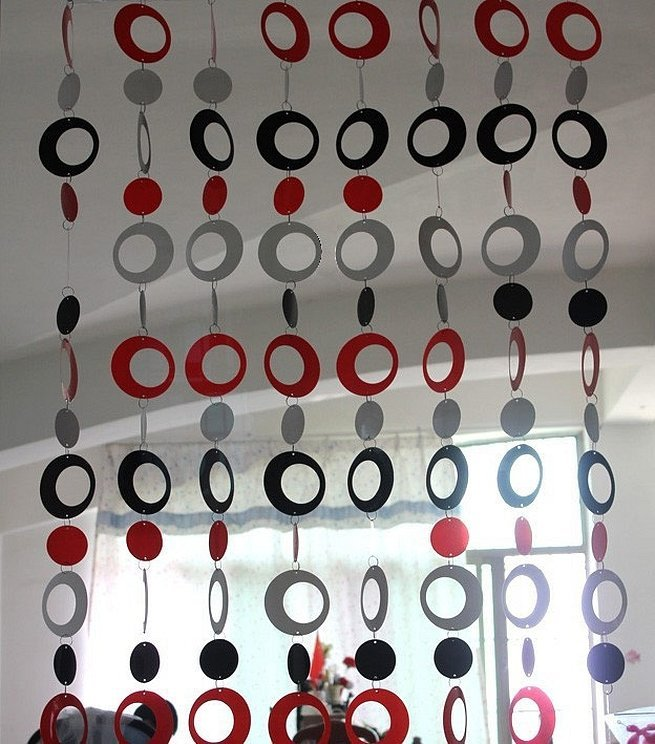 Декоративные шторы из пластиковых колец