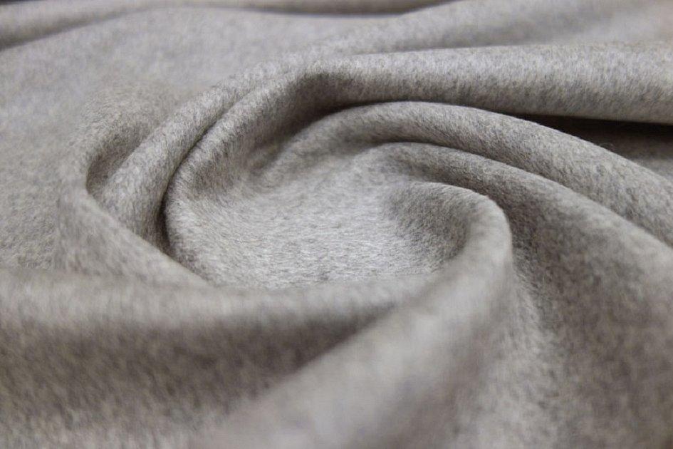 Серая шерстяная ткань драп