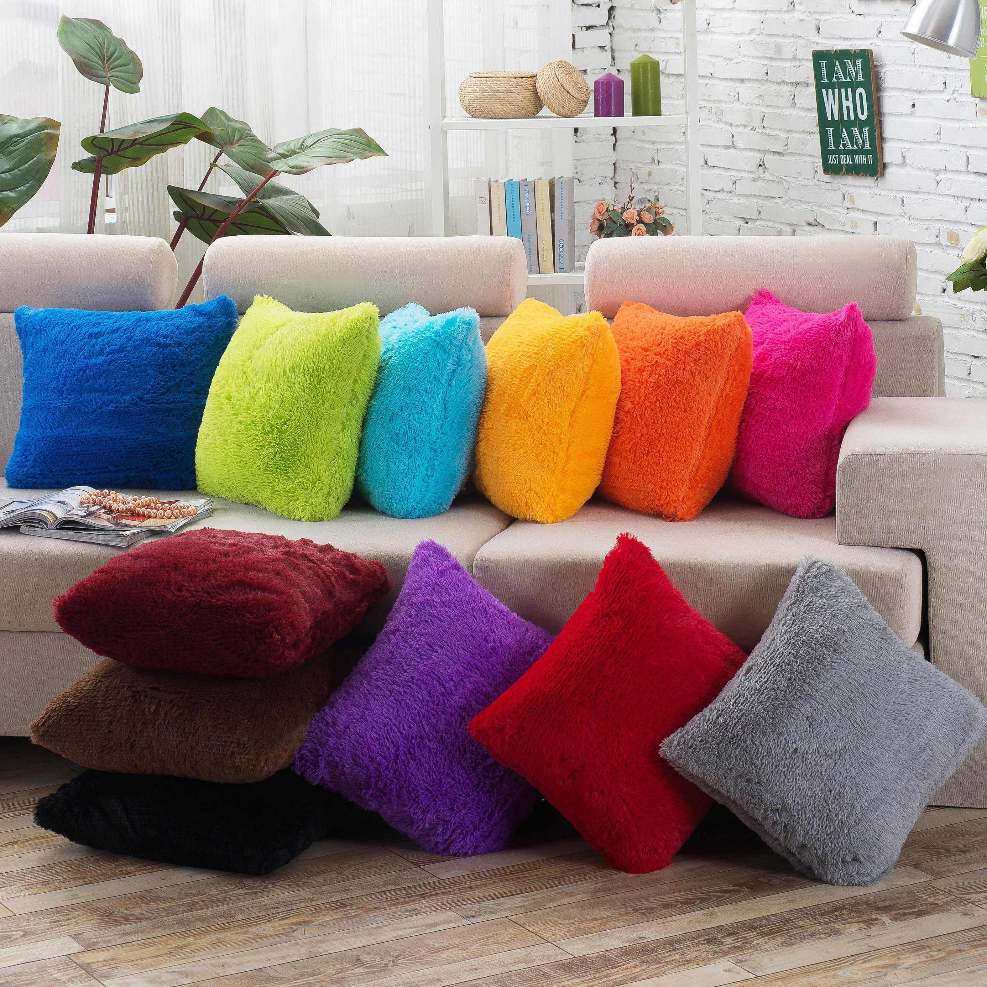 Пушистые наволочки на подушки для дивана