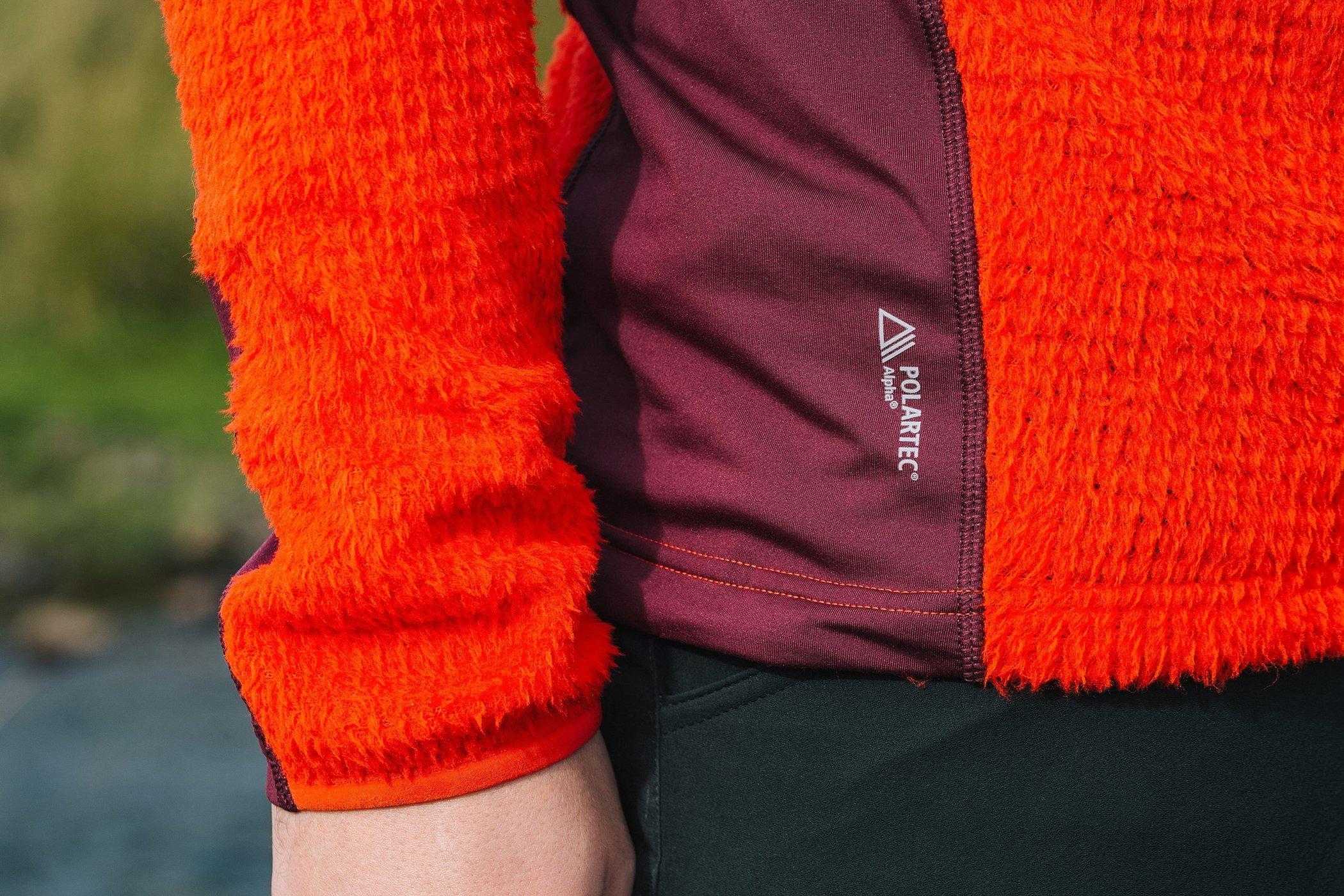 Черно оранжевый свитер