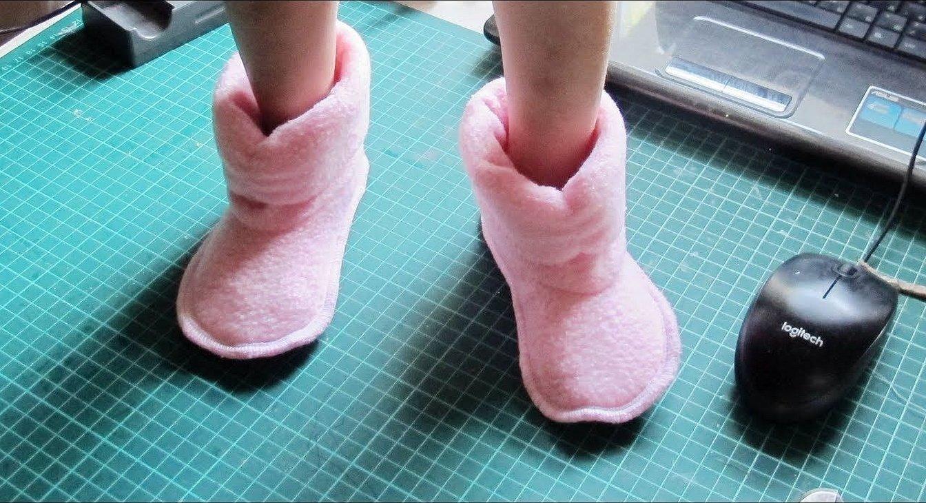 Тапочки для куклы домашние