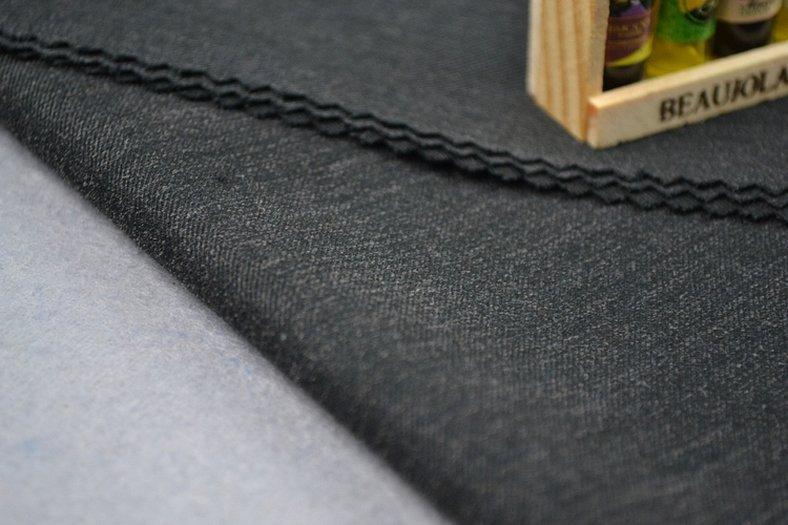 Шерстяная ткань с шероховатой поверхностью