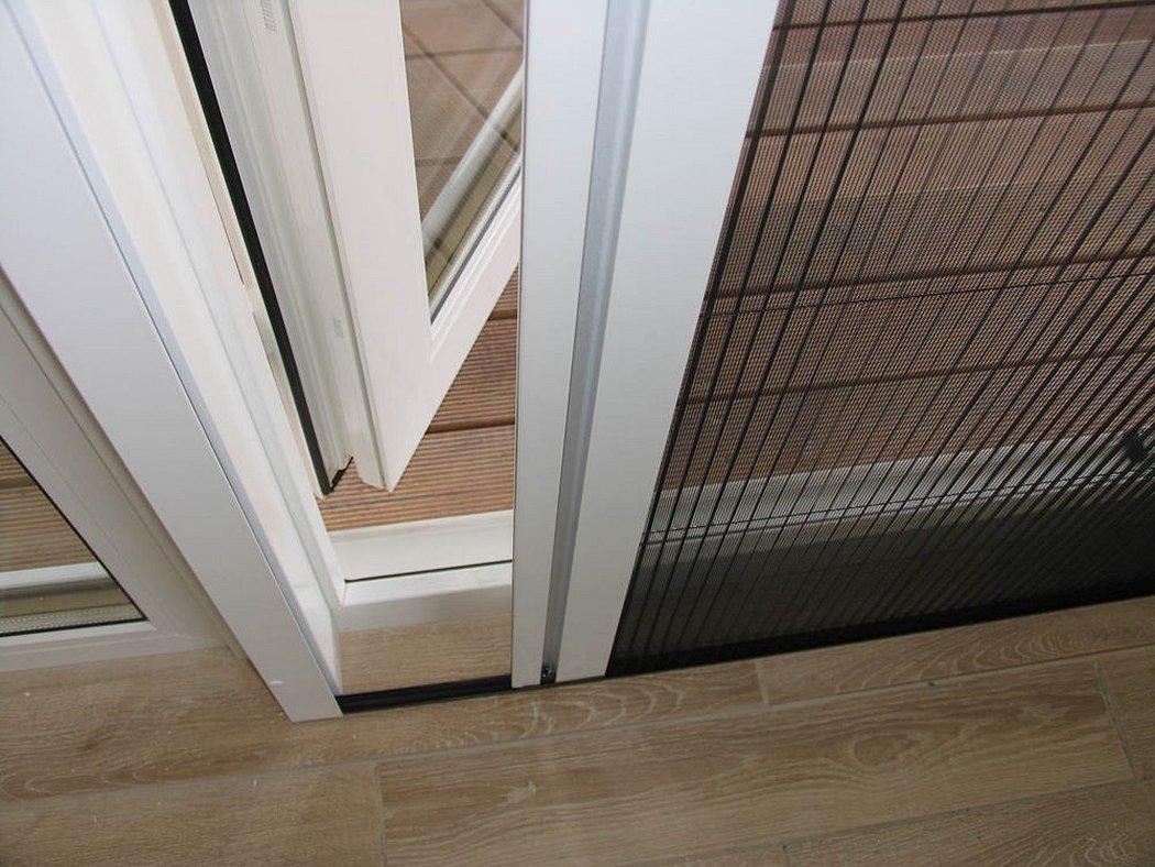 Москитная сетка плиссе на дверь