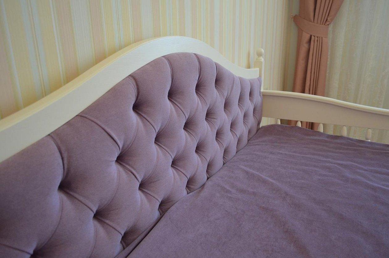 Кровать с мягким изголовьем обивка тканью