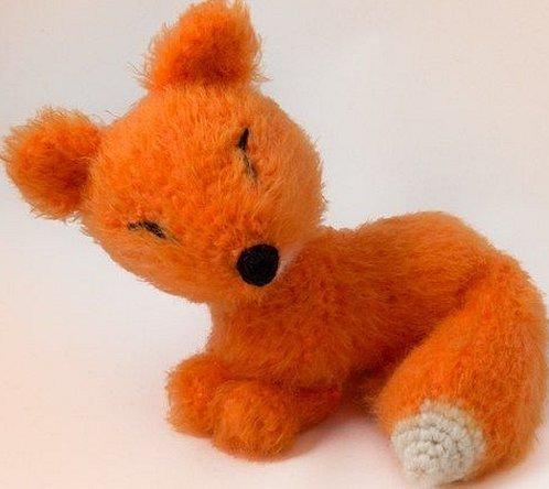 Игрушка лисичка из травки пряжи