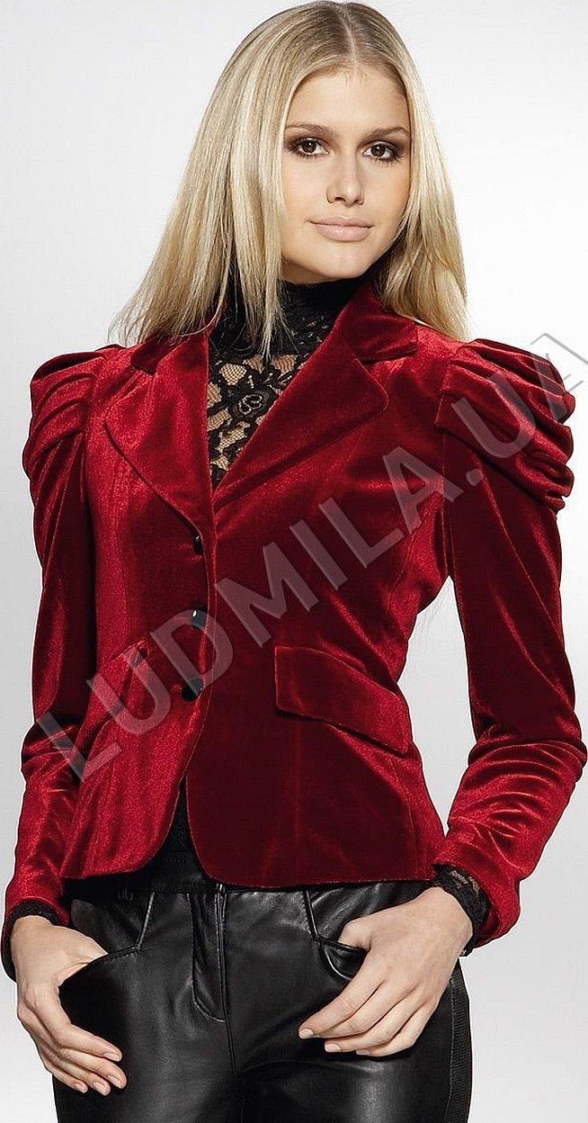 Бордовый бархатный пиджак женский