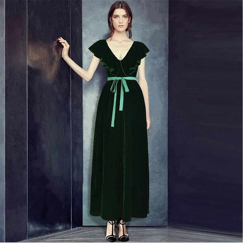 Ретро платье из зеленого бархата