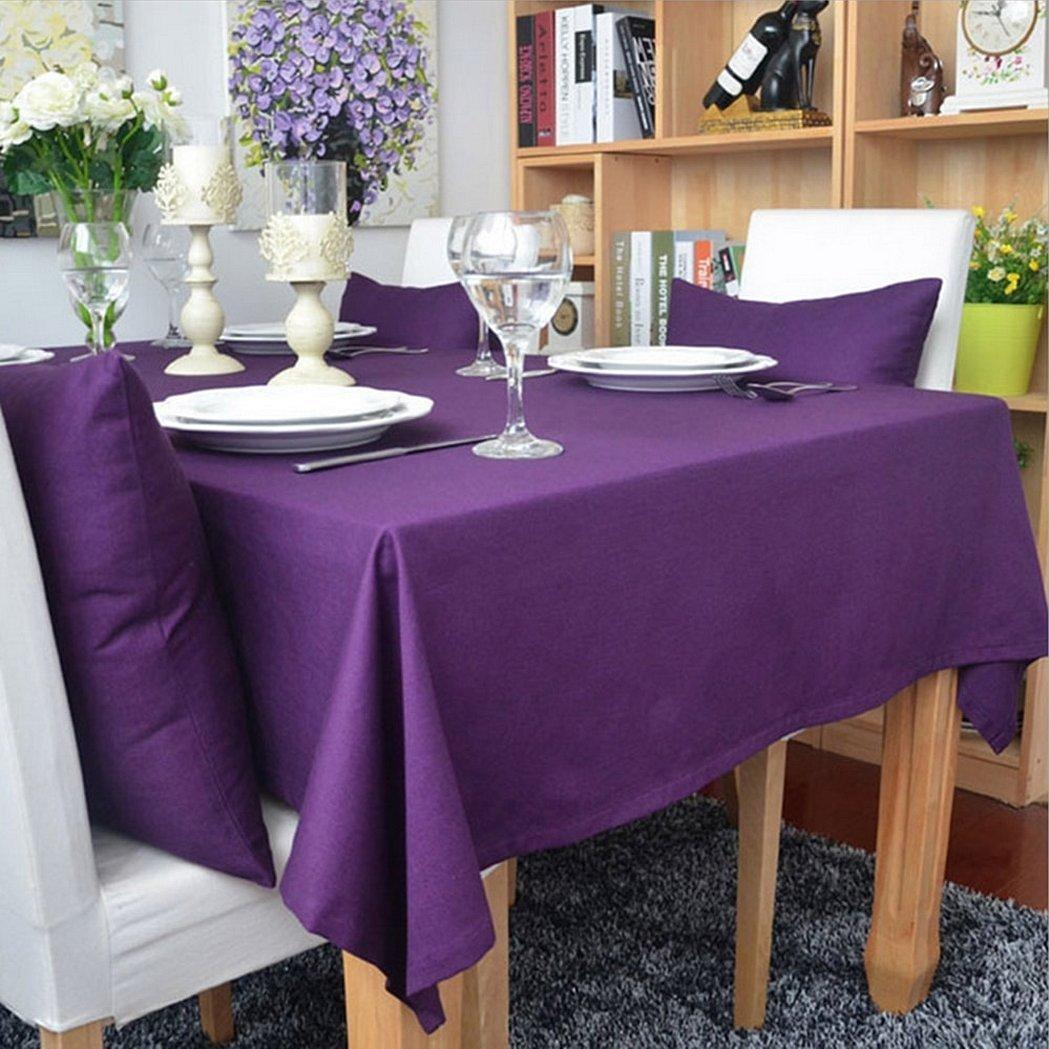 Фиолетовая скатерть с салфетками