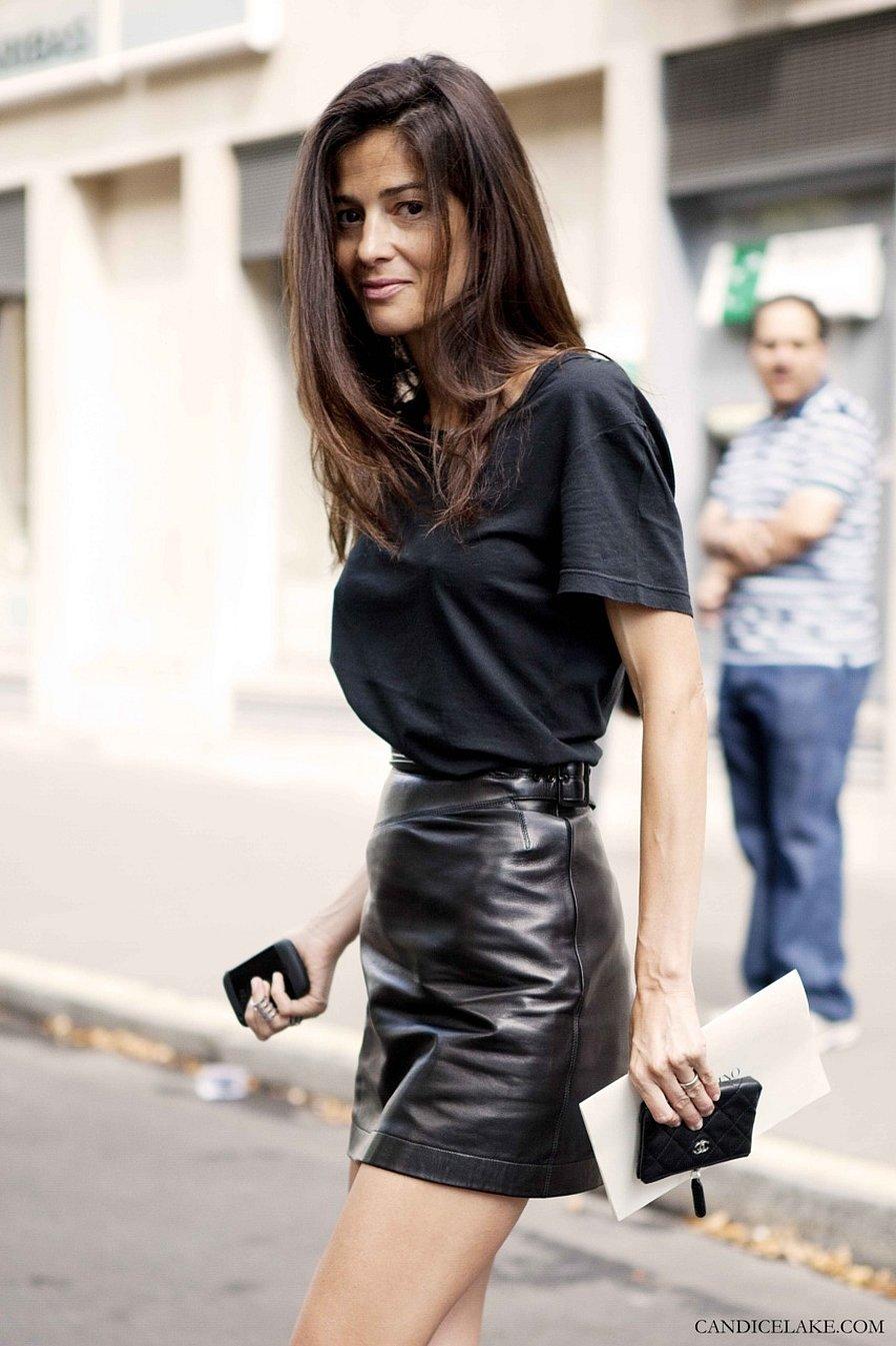 Черная кожаная мини юбка