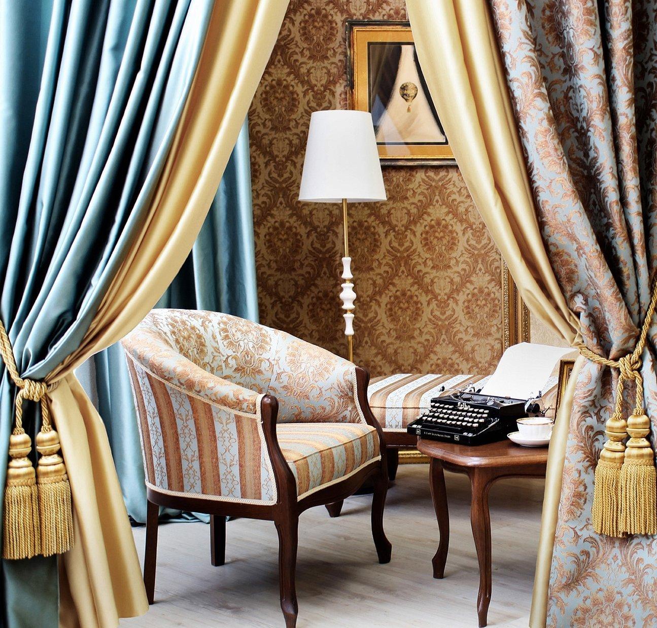 Текстиль в интерьере шторы