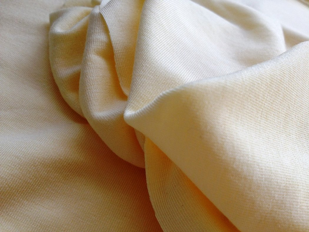 Ткань модал молочного цвета