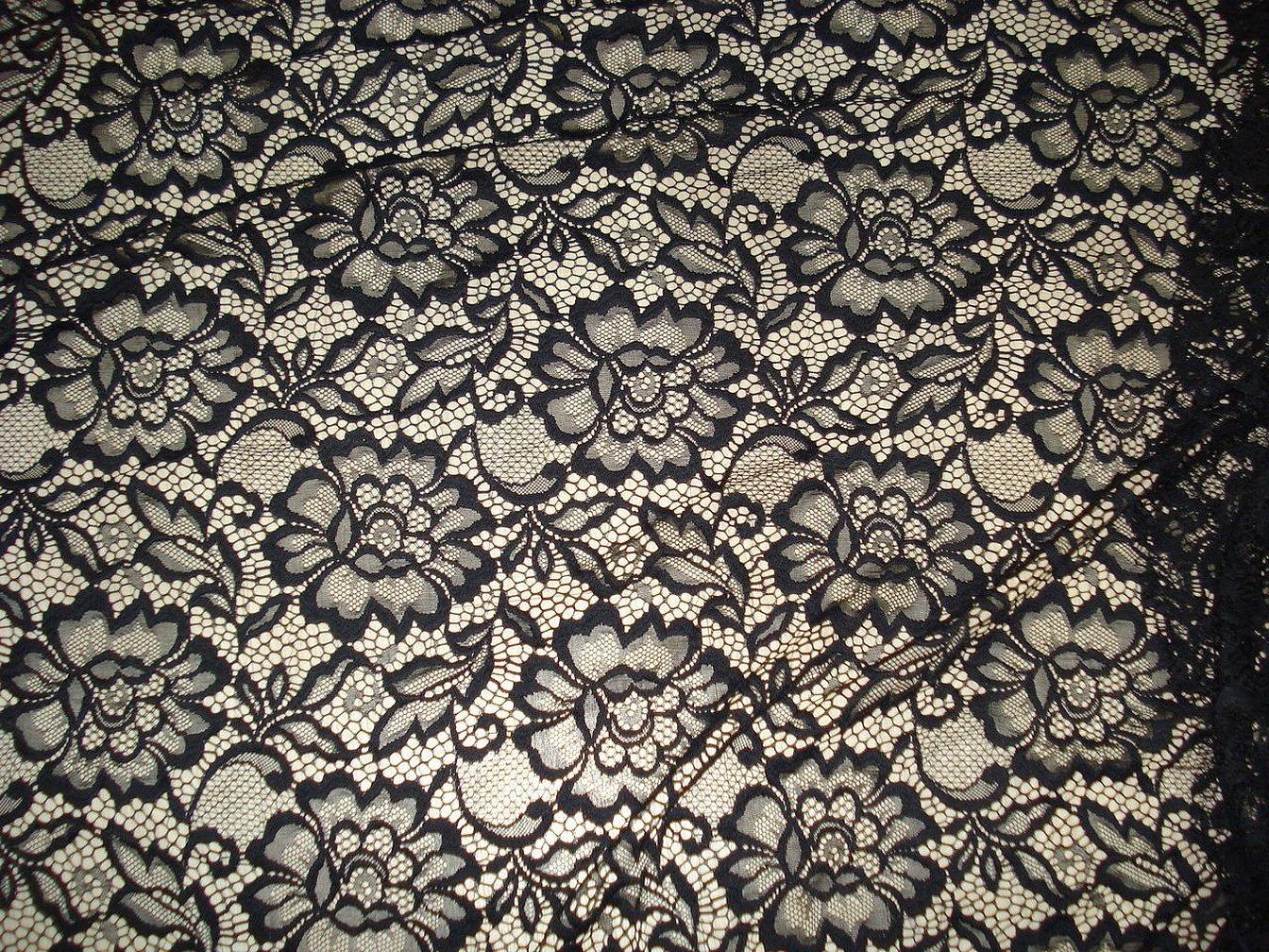 Нежное черное кружево ткань