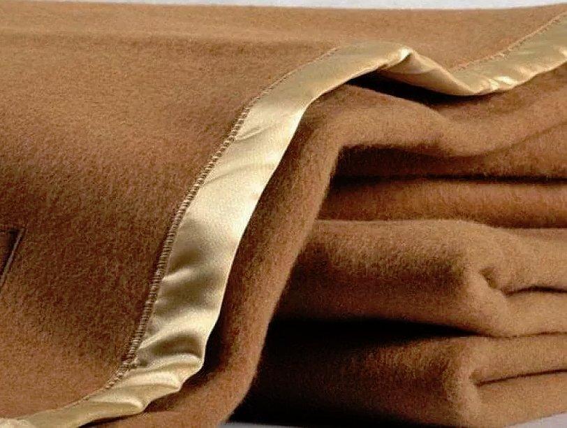 Одеяло из верблюжьей шерсти натуральное
