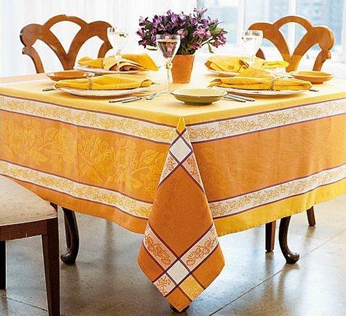 Сервировка стола скатерти с вышивкой