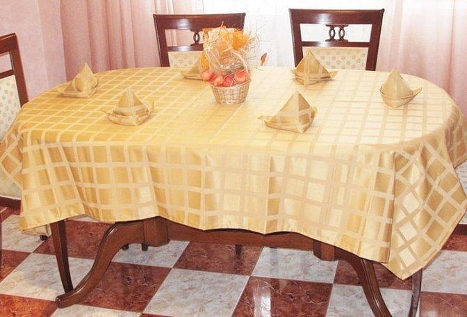 Узор кухонной скатерти