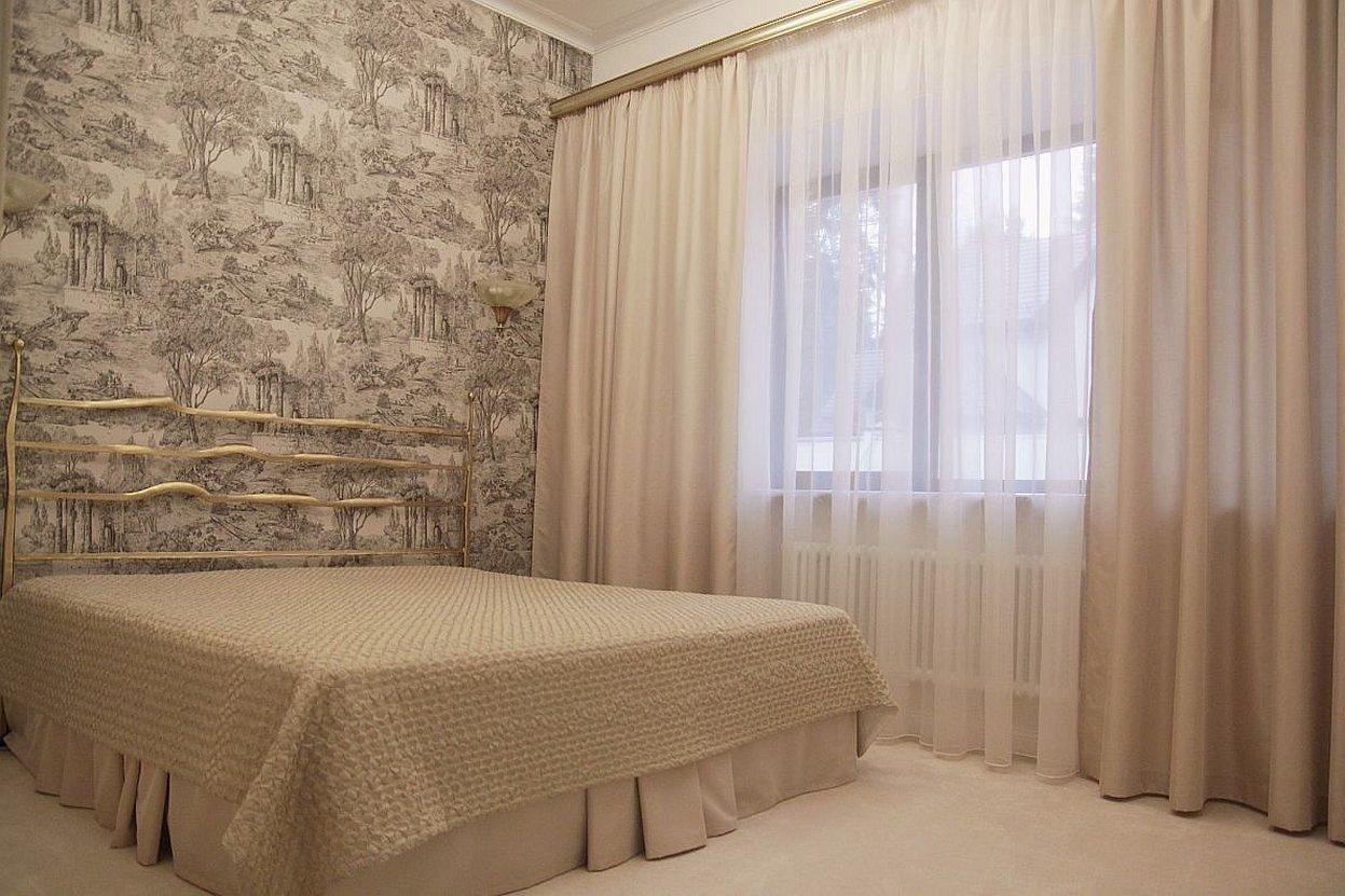 Однотонные шторы для спальни