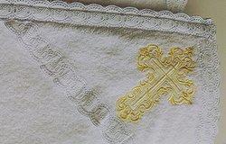 Полотенце для крещения (крестильное): ребенка, взрослого, можно ли пользоваться после?