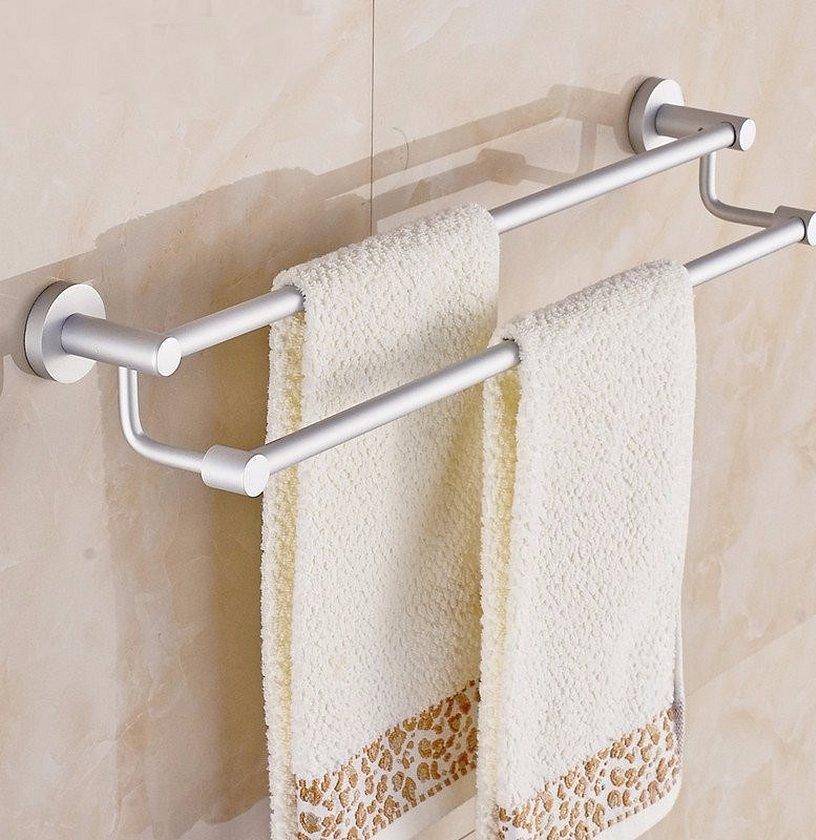 Перекладины для полотенец в интерьере ванны