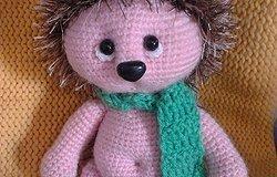 Ежик крючком: вязание игрушки с подробным описанием для начинающих