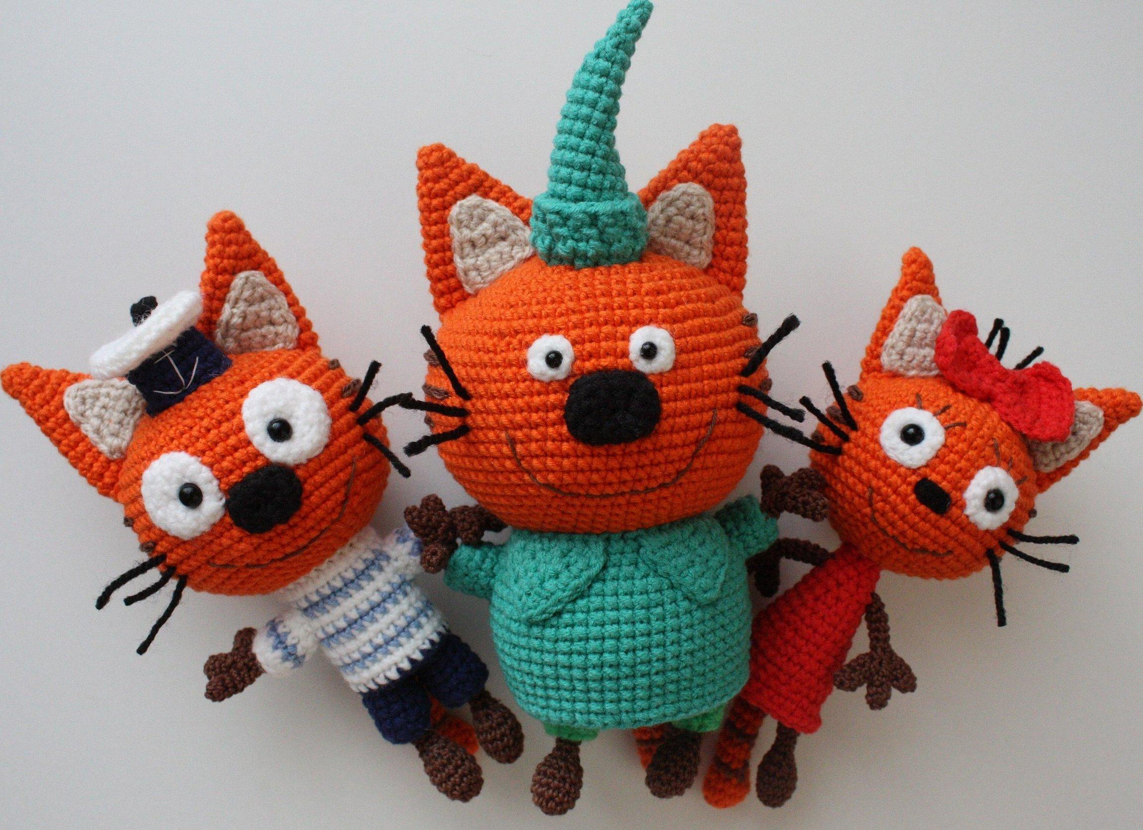 Вязаные игрушки три кота крючком