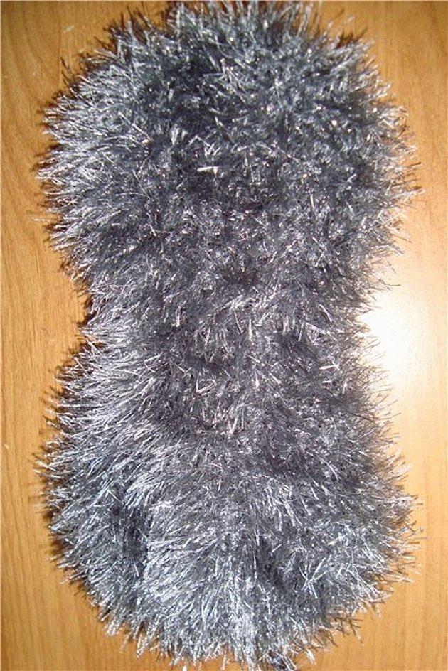 Варежки и носки из пряжи травка
