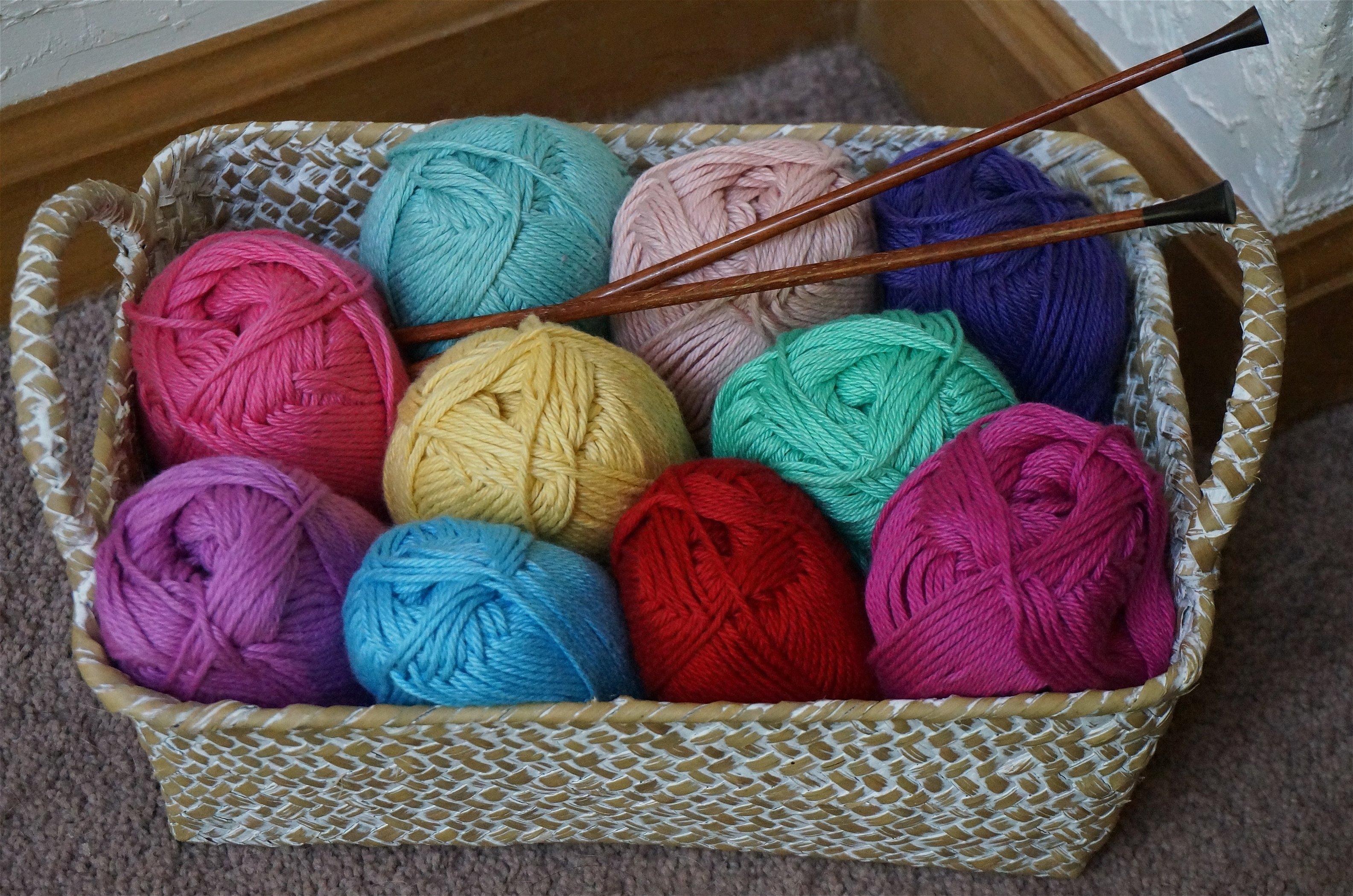 Нитки для вязания красивое