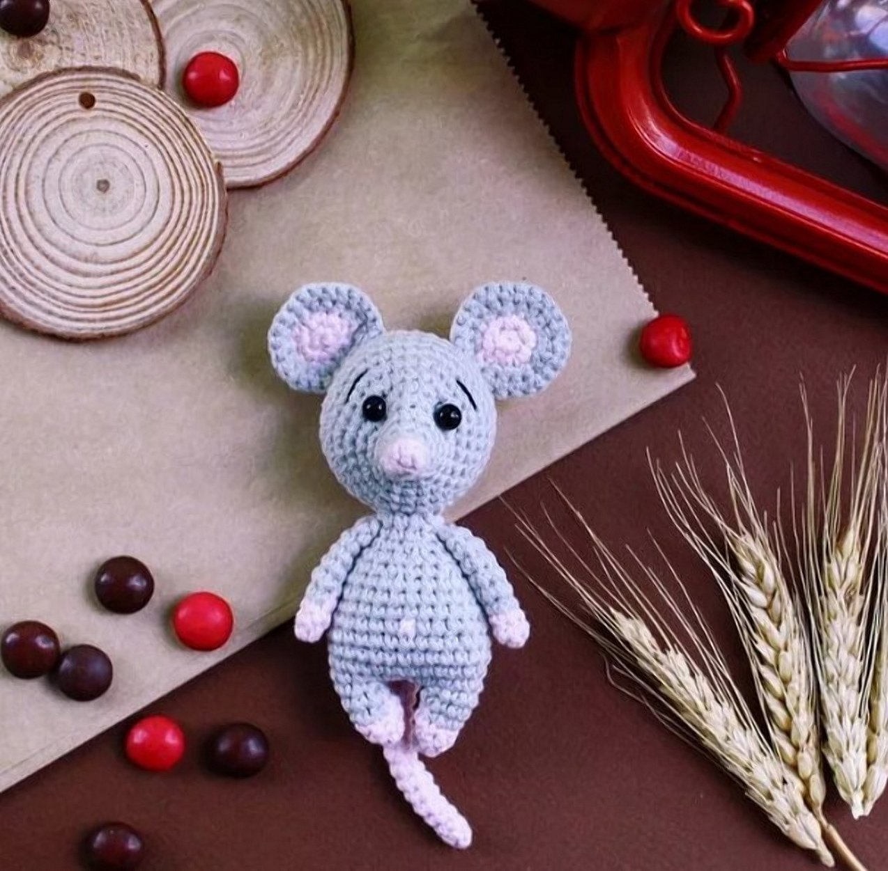 Вязаная игрушка мышка крючком