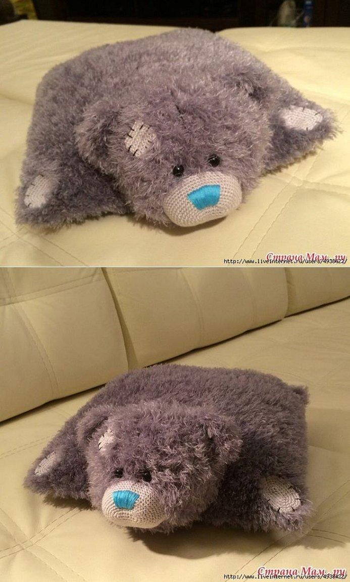 Вязаная подушка мишка