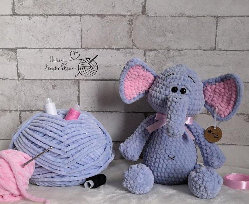 Вязаные игрушки мышки из плюшевой пряжи